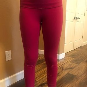 Lululemon leggings, Raspberry